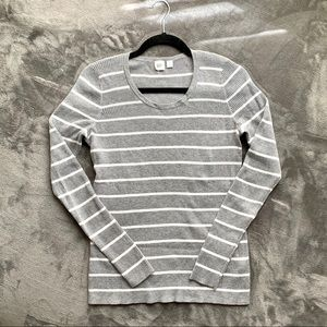 Gap | gray and white striped knitted sweater